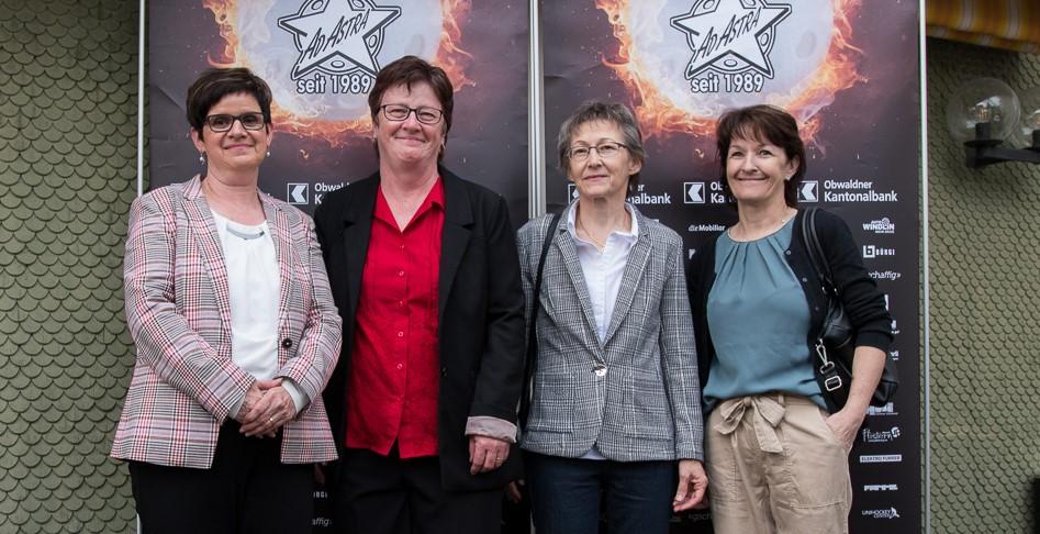 Auch Mama Bitterli (erste v.l.) war mit dabei an der Nacht Der Sterne 2019. An der Stelle nochmals vielen Dank am ganzen Team der Festwirtschaft, welche für das Wohl an allen Anlässen sorgte. (Foto: Simon Abächerli)