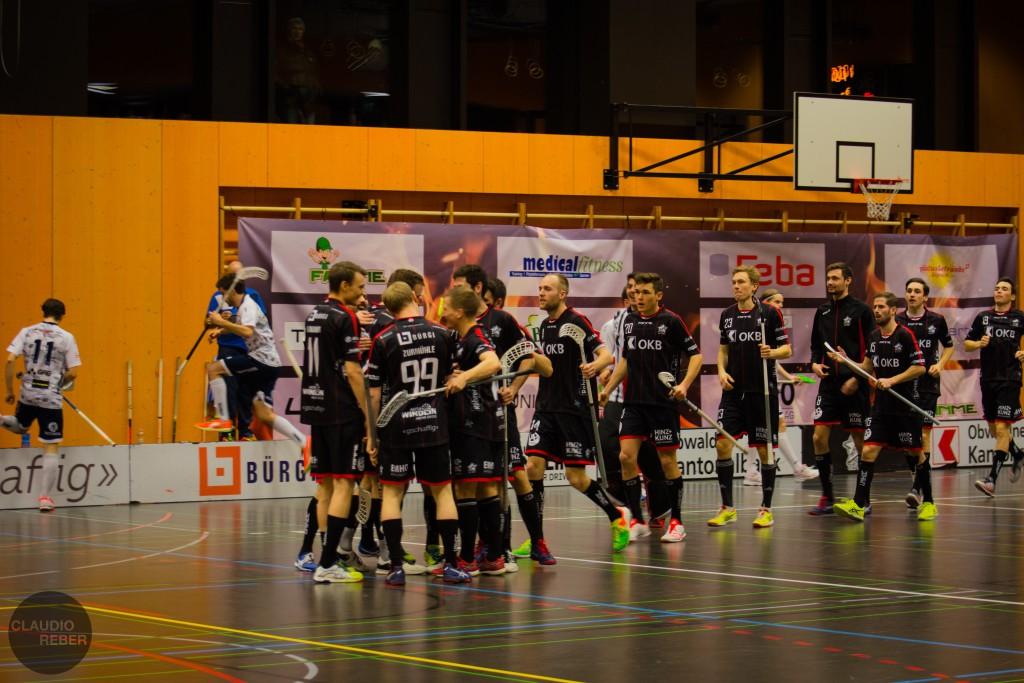 Zurmühle (Nr. 99) und seine Teamkollegen bejubeln den Einzug in die Halbfinals (Foto: Claudio Reber)