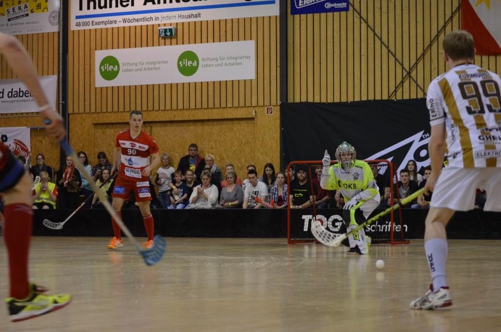 Matthias Bucheli sprang im Tor für Ad Astra ein und zeigte eine sehr gute Leistung (Foto: Simon Abächerli)