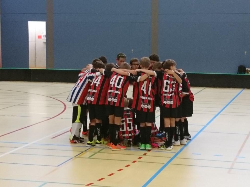 Die U14-Junioren bejubeln den ersten Saisonsieg